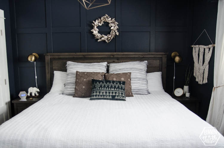 спальня в черных цветах