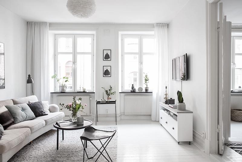 интерьеры гостиных в белых цветах