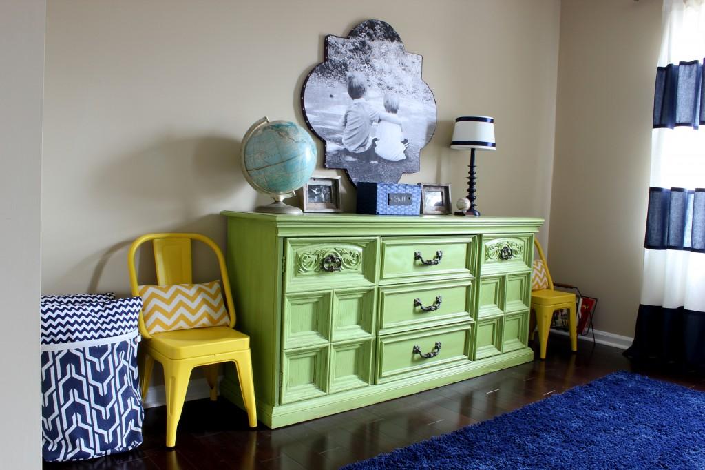 какой краской покрасить старую мебель