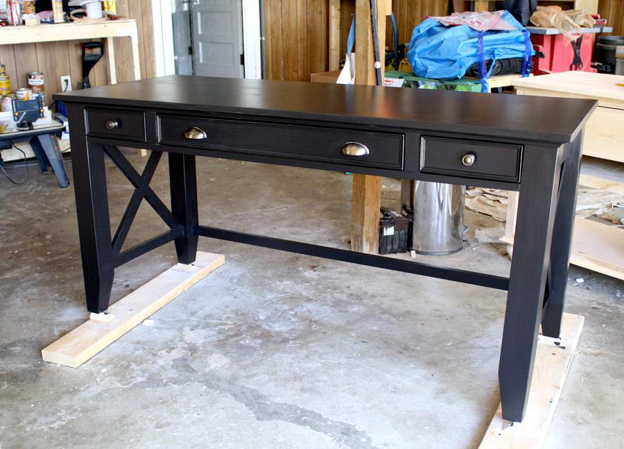 чем покрасить кухонный стол