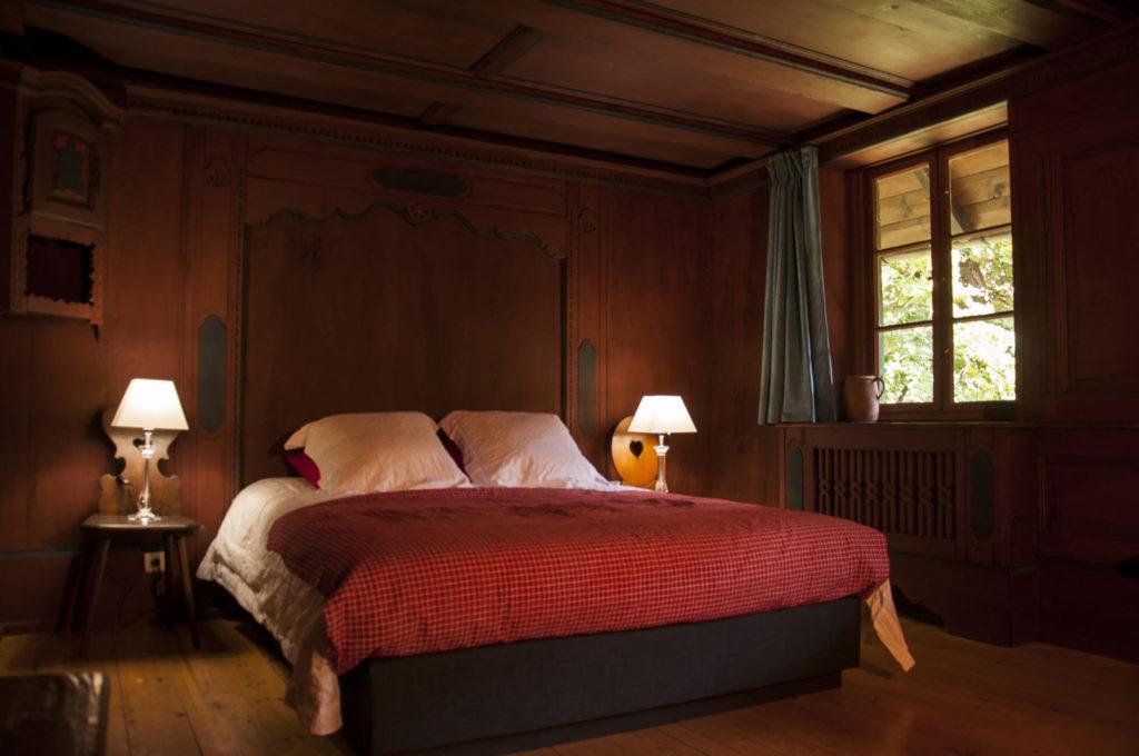 красная спальня дизайн