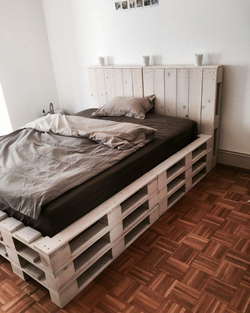 спальная кровать из поддонов