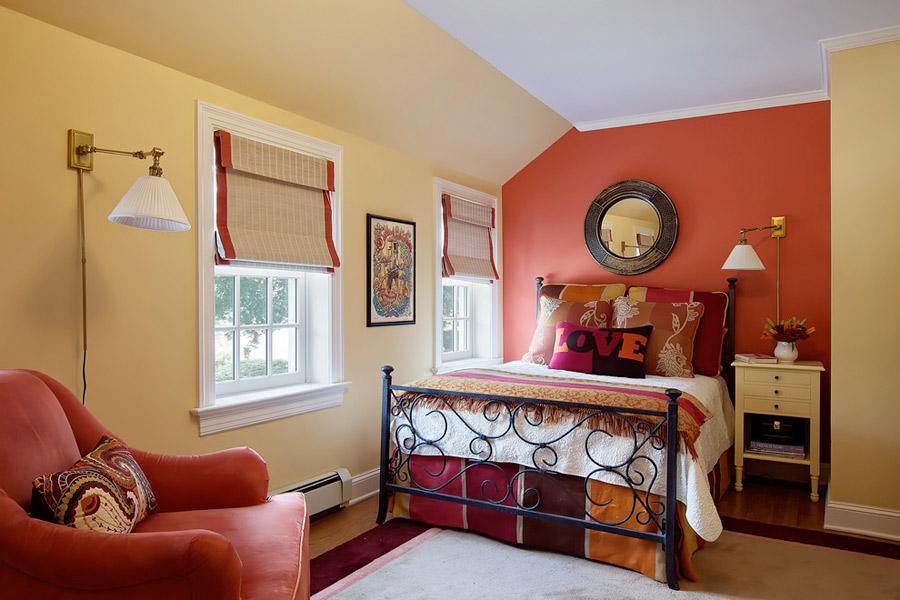красный цвет в спальне как влияет