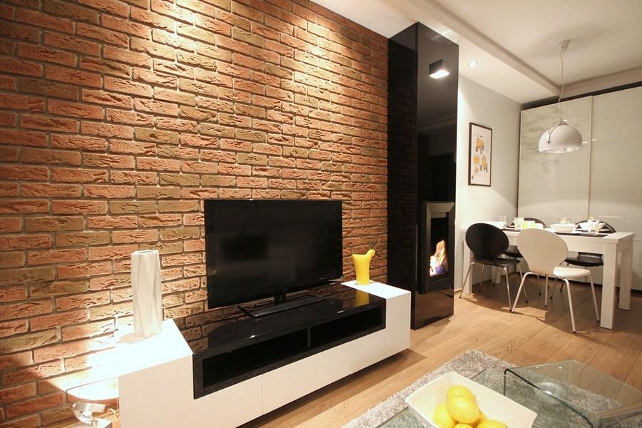 стена +в гостиной под кирпич