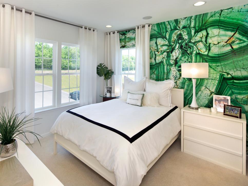 спальня в зеленых цветах