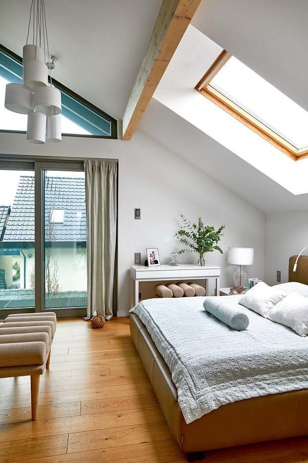 потолки мансарда спальня