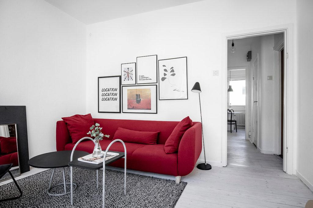 красный диван икеа