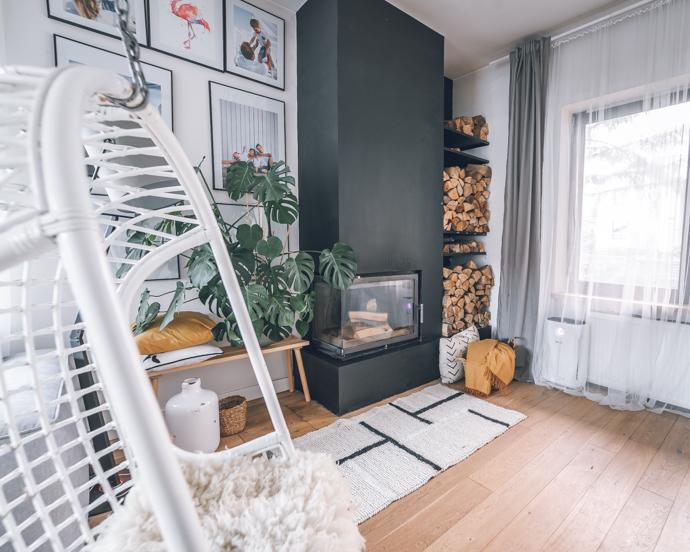 камин в гостиной в квартире