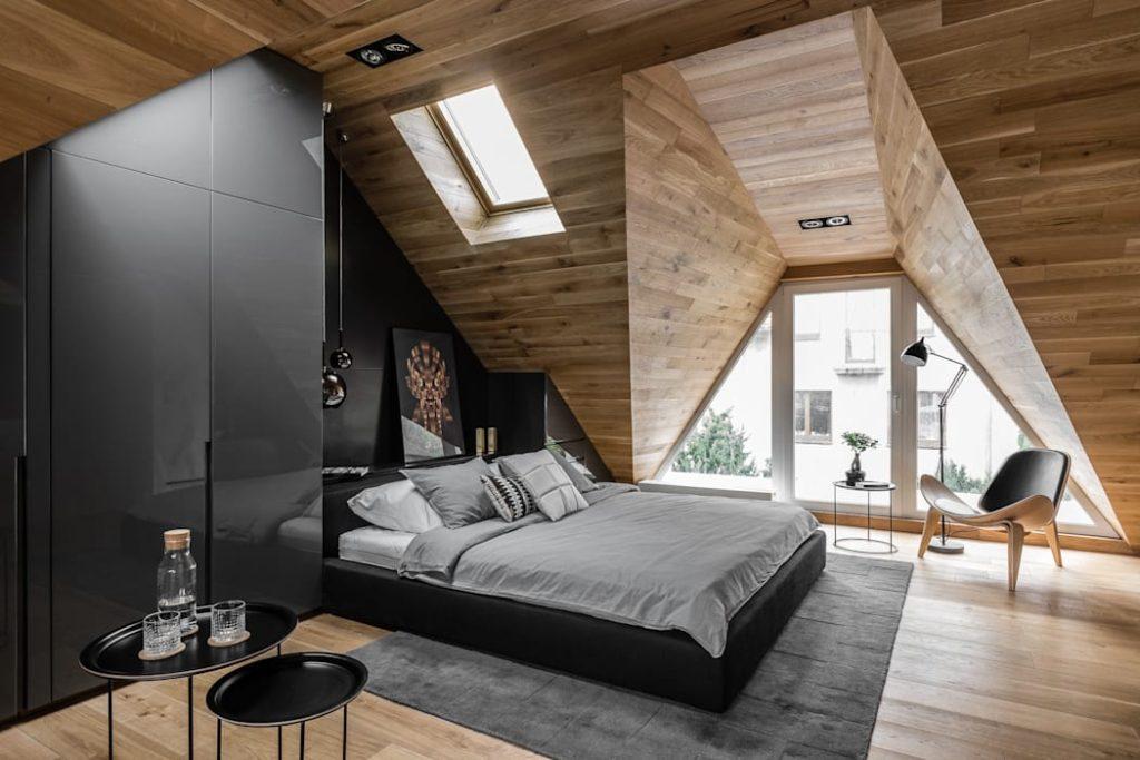 комната спальня мансарда