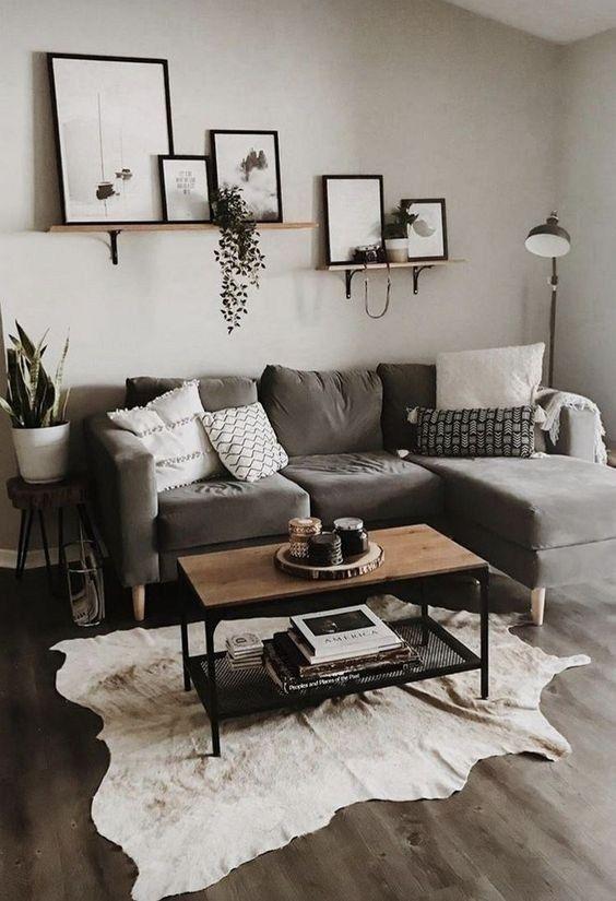 серый диван в интерьере гостиной фото