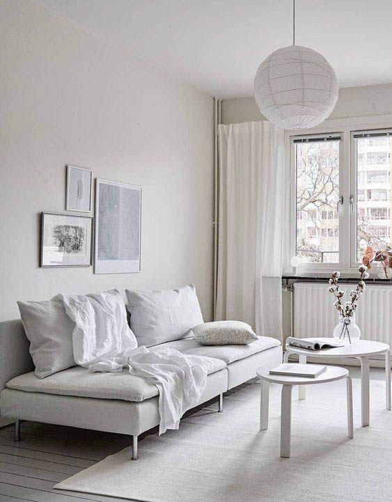 красивый белый диван