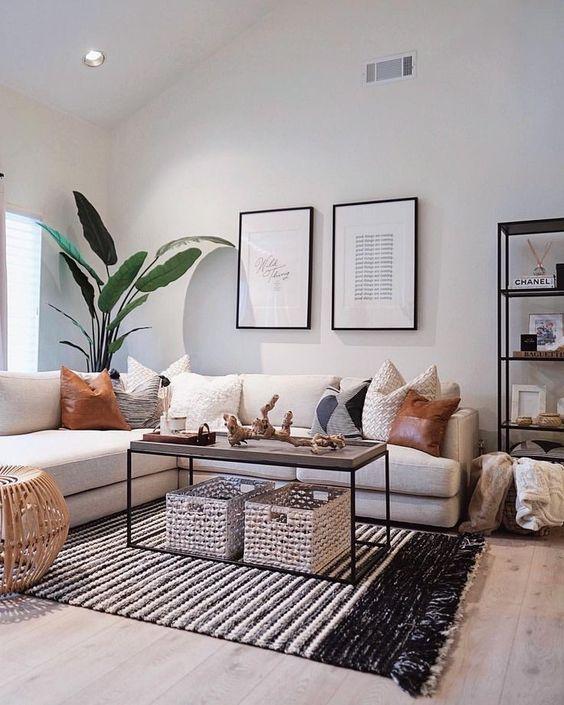 дизайн с белым диваном