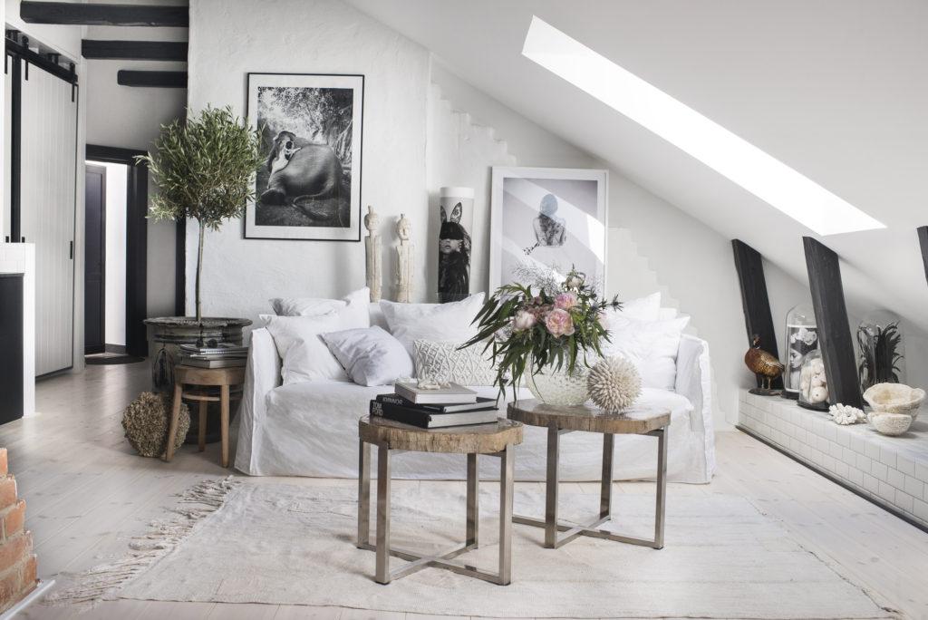 маленький белый диван