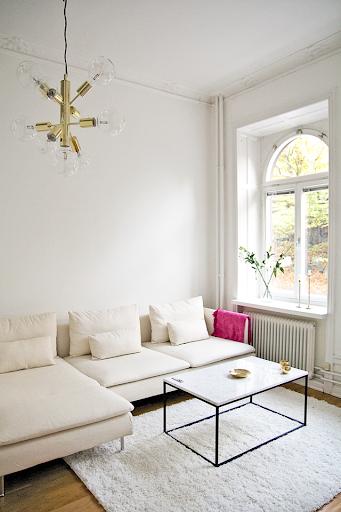 белый мягкий диван