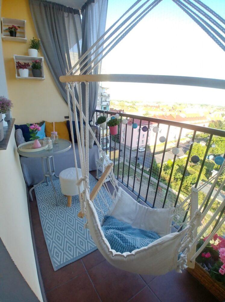 повесить гамак на балконе