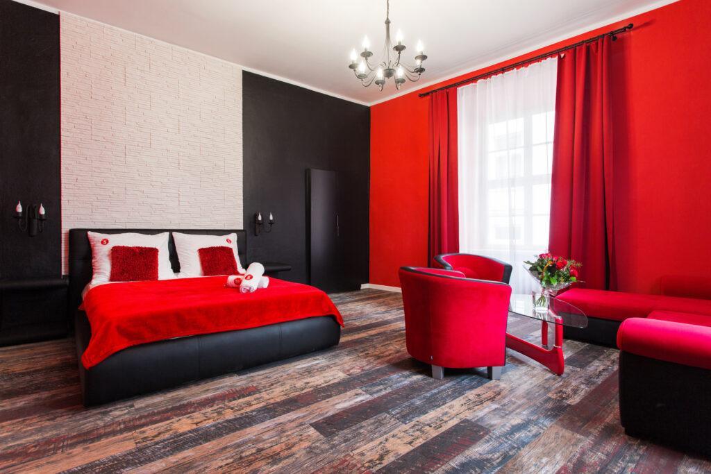 как можно покрасить комнату