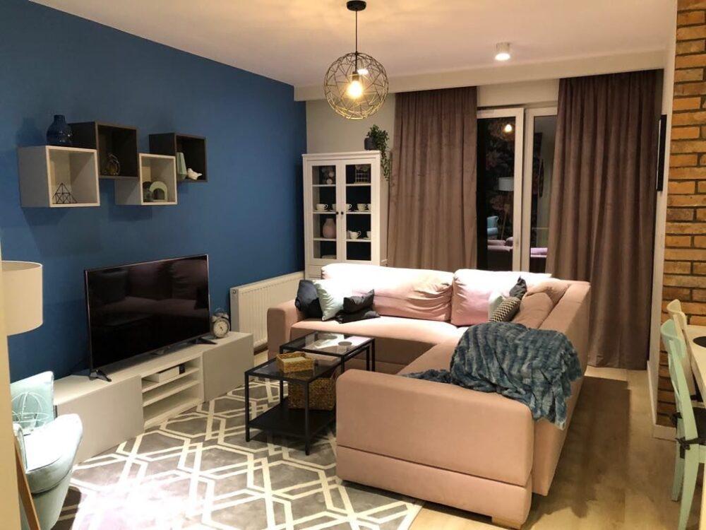 серо синий интерьер гостиной