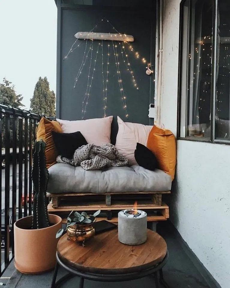 оформляем балкон внутри