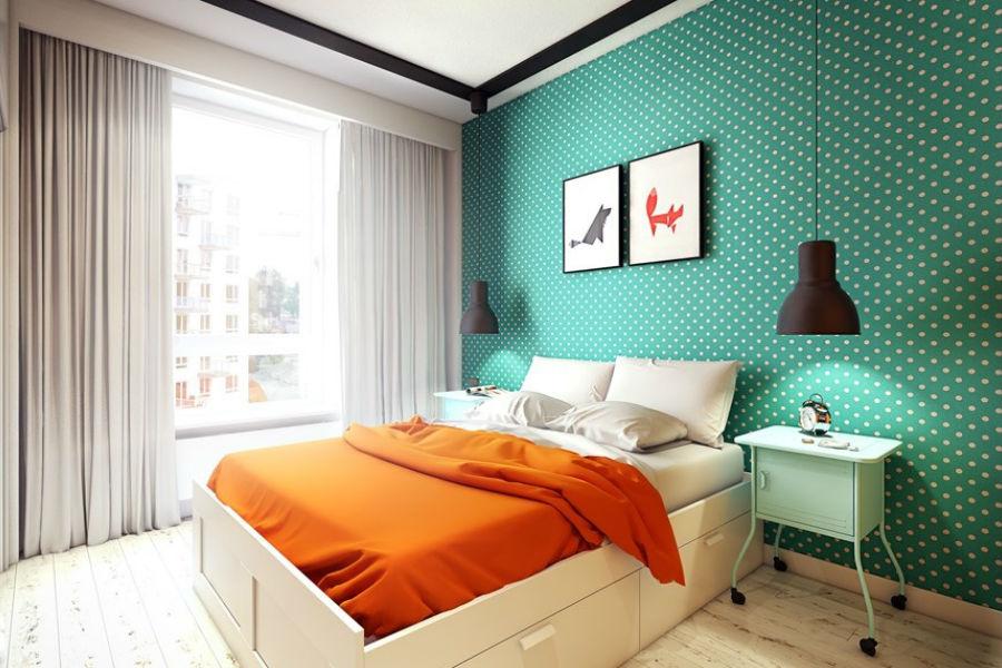 яркая стена в спалнье