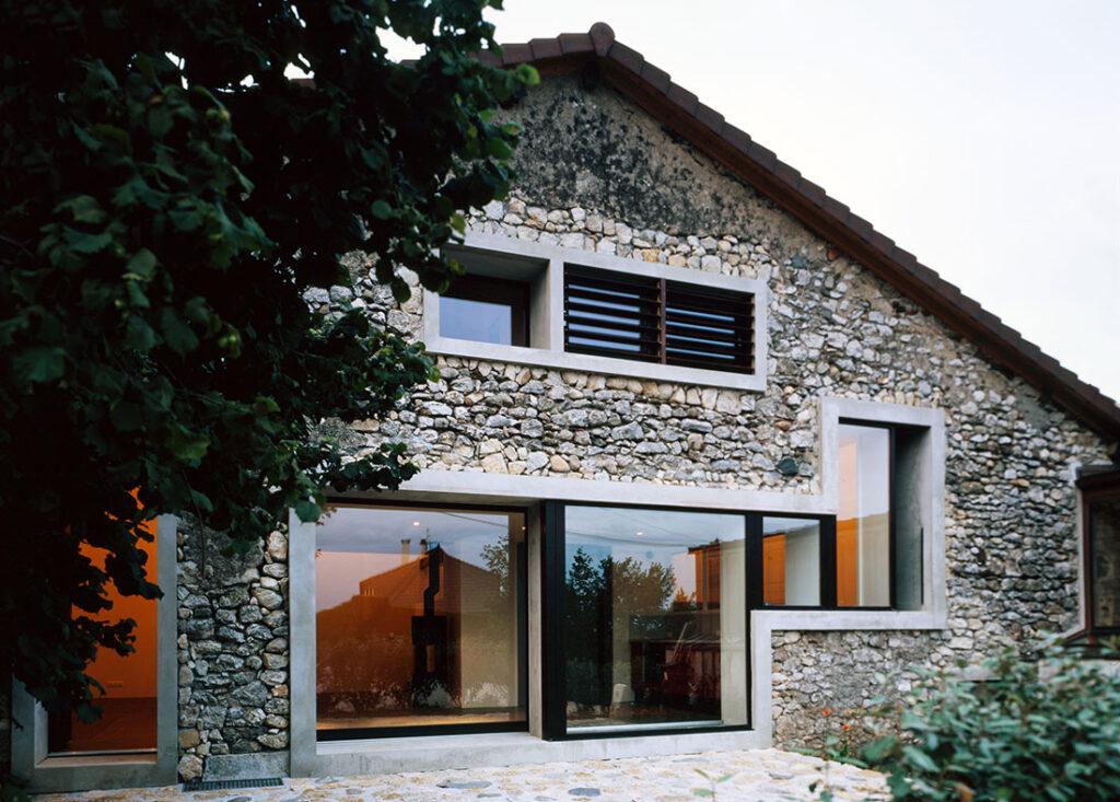 каменные кирпичные дома