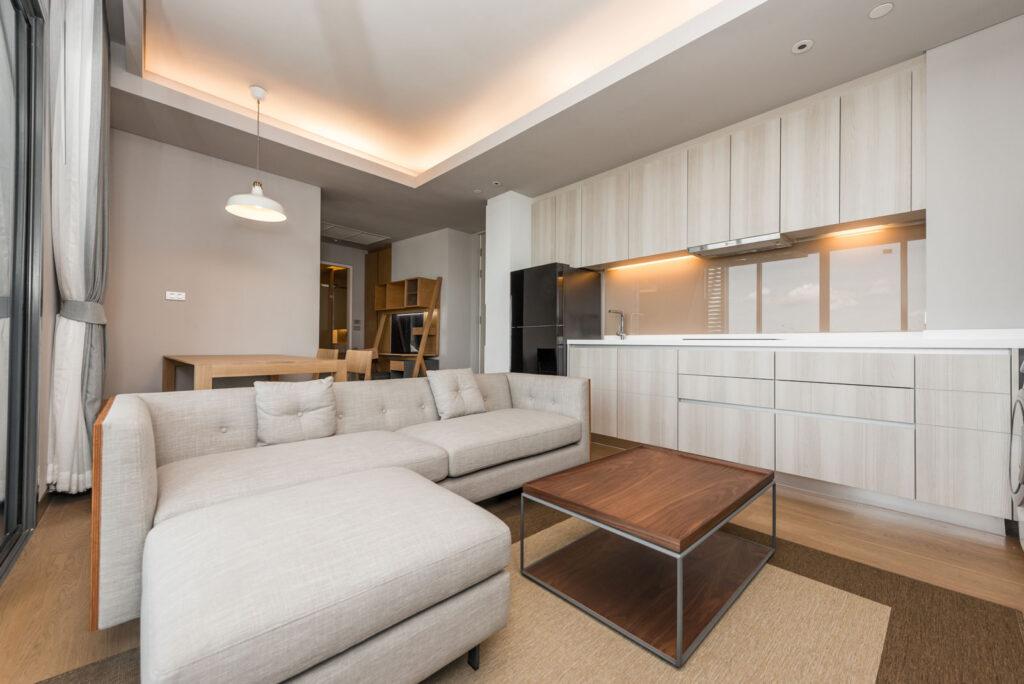 потолки гостиной в квартире