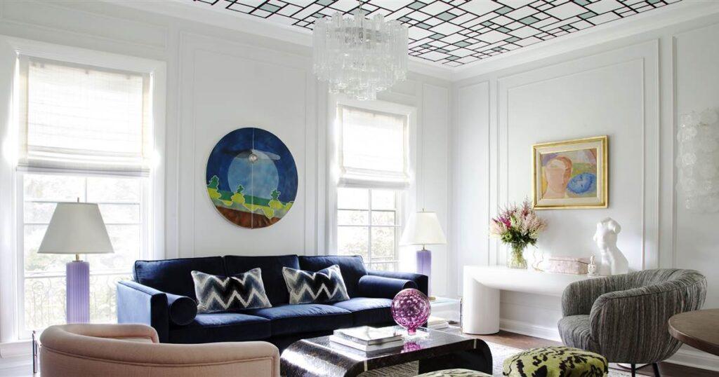 потолки в гостиной фото