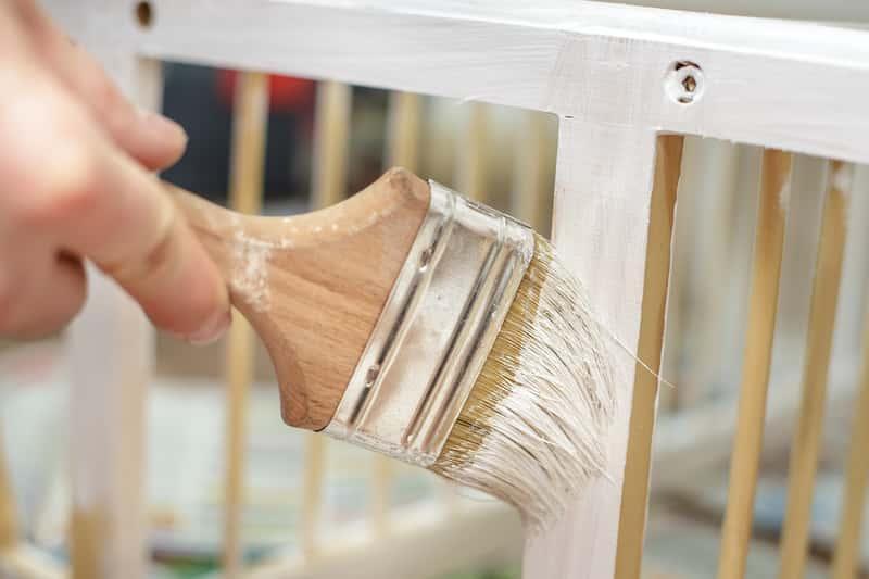 покрасить полированную мебель в белый цвет