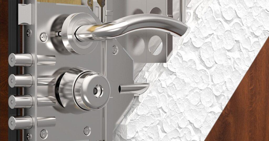 установка бронированной двери