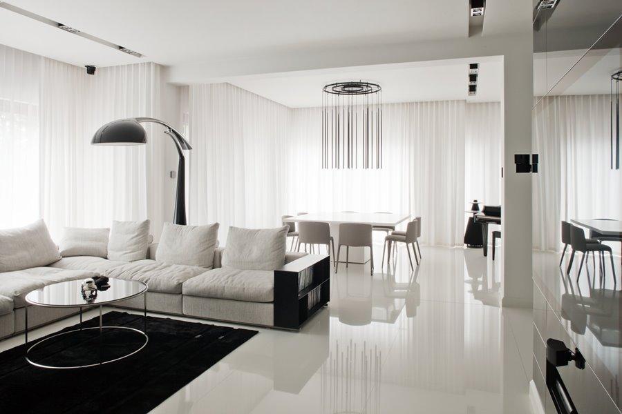 белые стены в гостиной