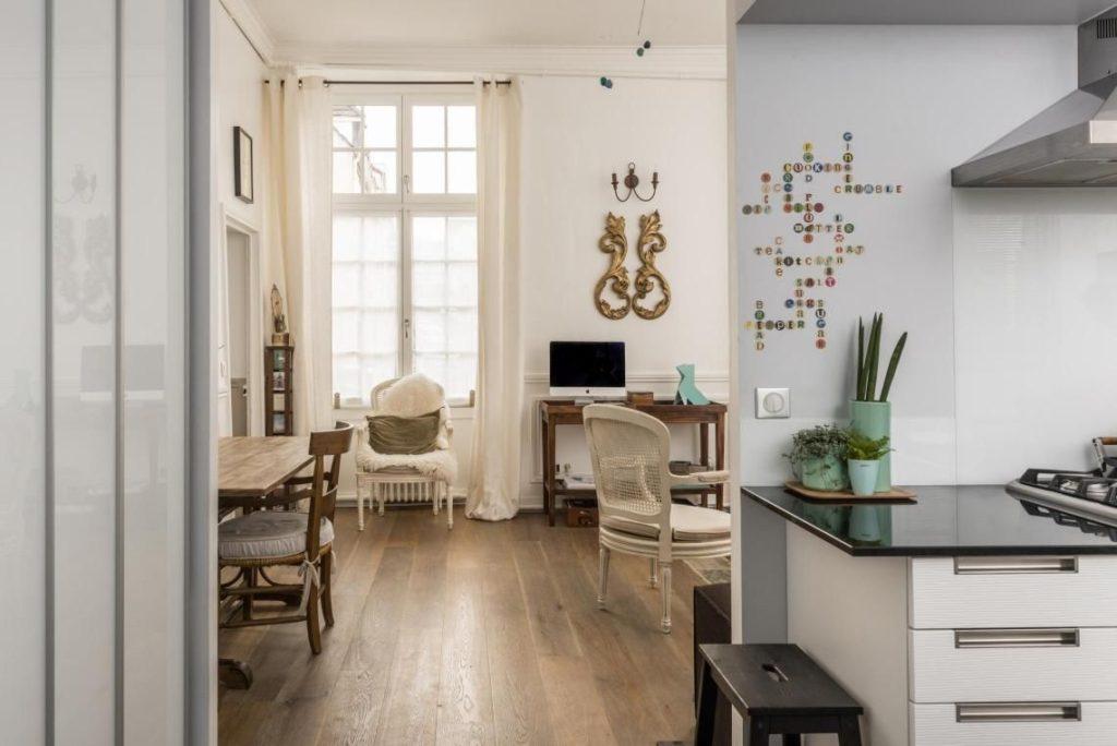 квартира студия дизайн гостиной