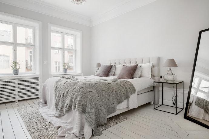 одеяло в спальне